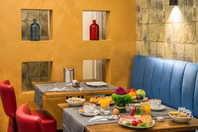 Navona-Essence-Roma-Sala-colazione-28