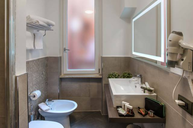 navona-essence-hotel-rome-rooms-9